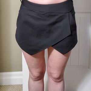 🌲 Zara black skort